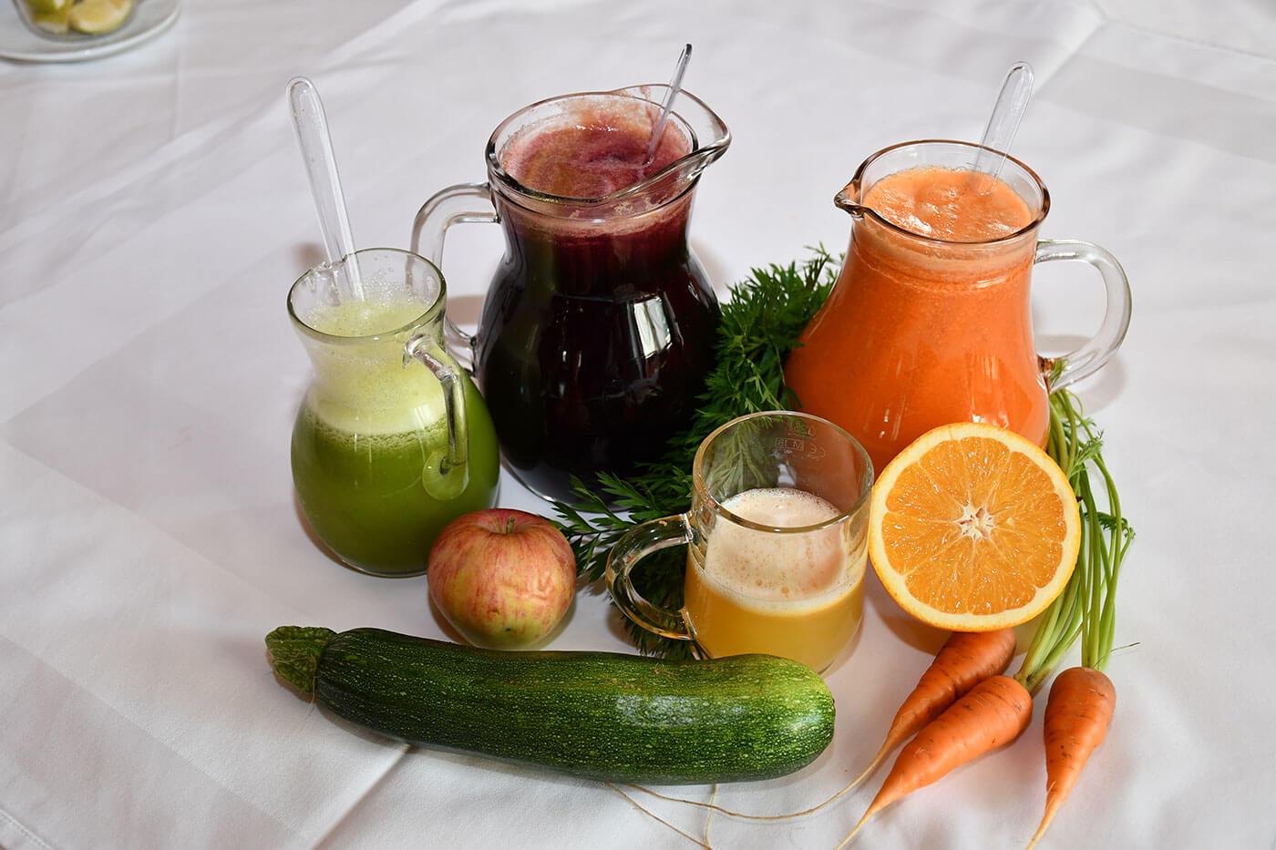 Detox im Fastenhaus Dunst: Obst- und Gemüsesäfte